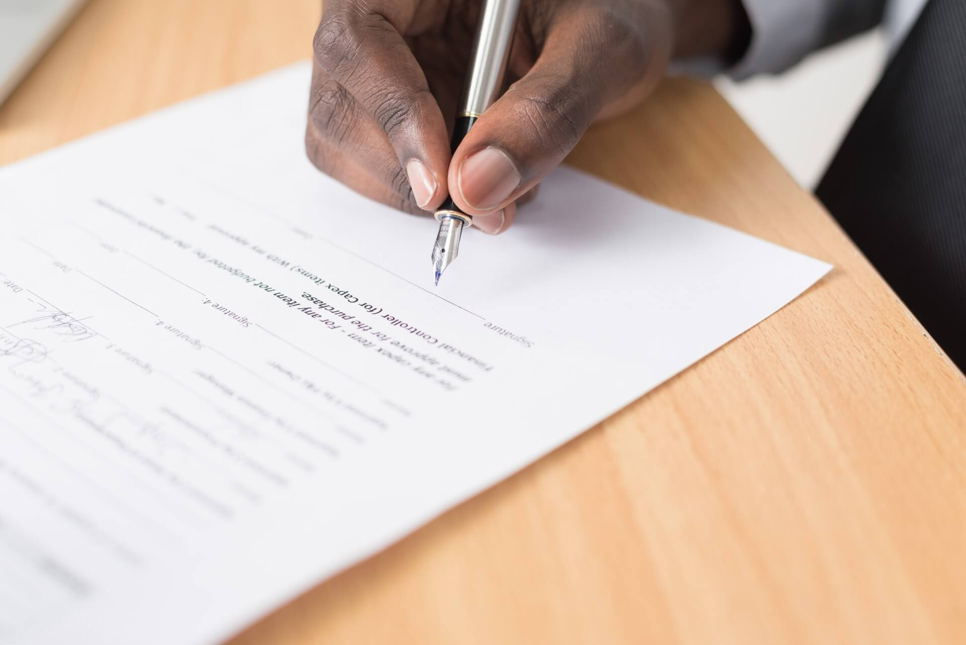 How to Write a Graphic Design Contract (7 Steps + Template Included)